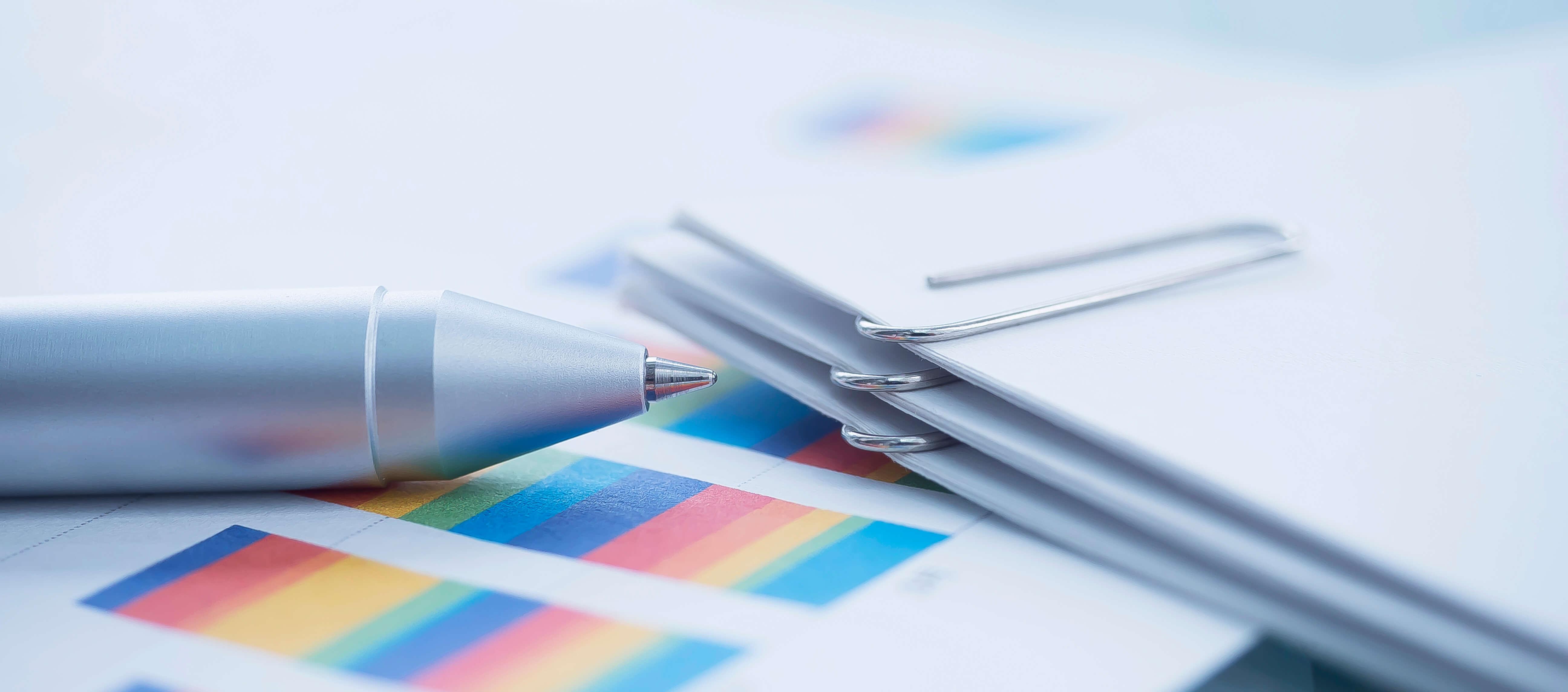 細分化された数値が刻み込まれていた紙